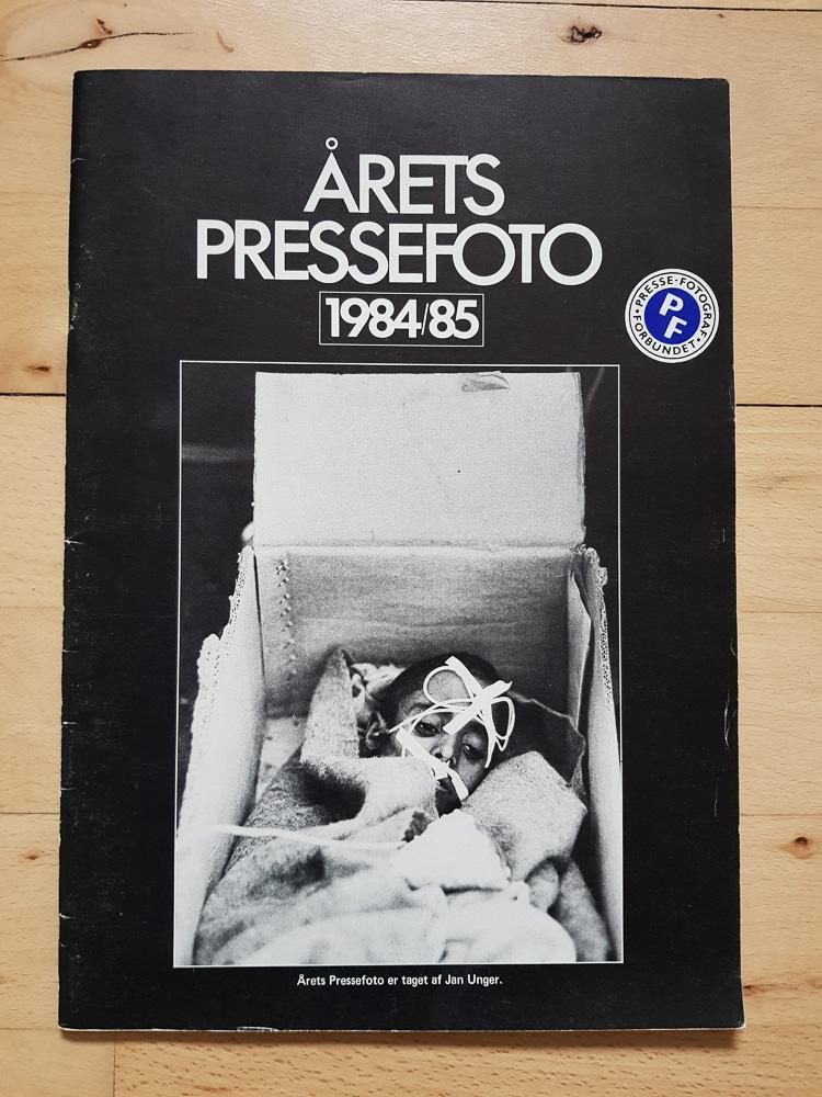 Årets Pressefoto 1984/85 udgivet af Pressefotografforbundet